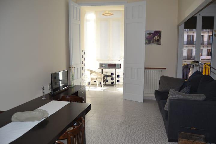 Nice and big 3 bedroom apartment in Plaza Mayor