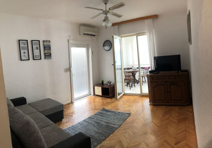 TGN apartment  3 minutes to beach