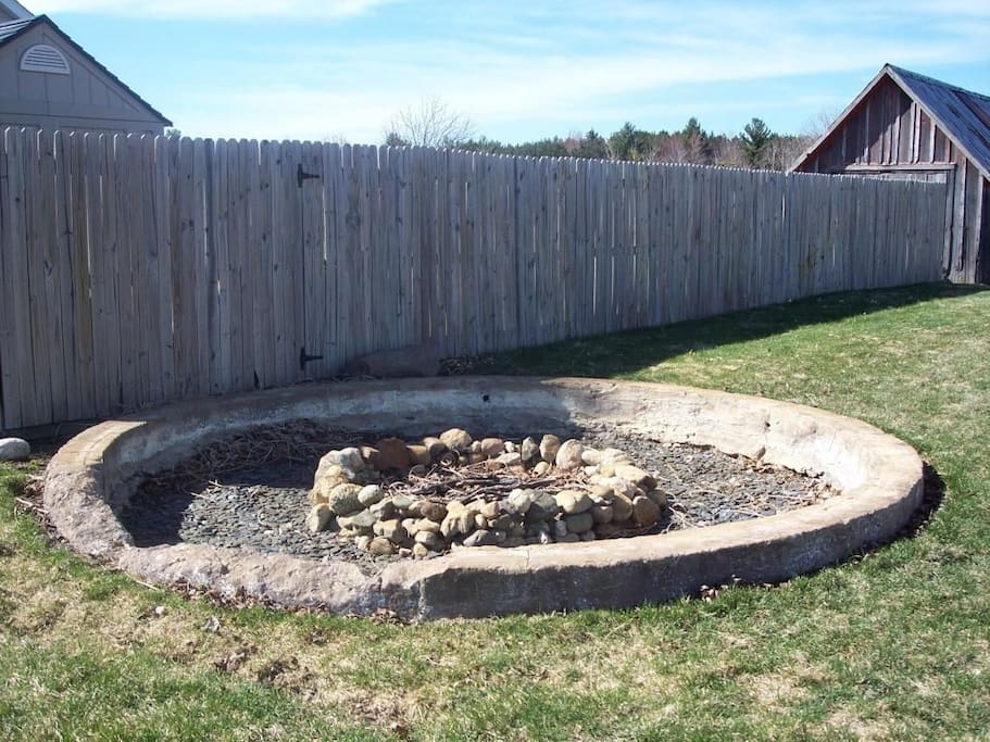 fire pit with lots of seating