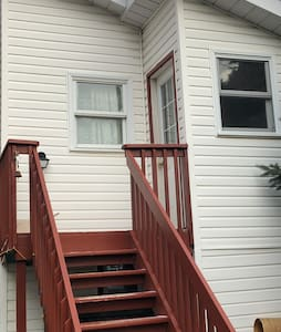 Private Upper Level Duntroon Guest Suite