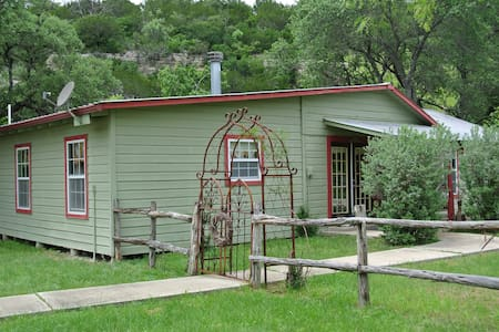 "Schuster Ranch ""Sugar Shack"" - Junction - Talo"