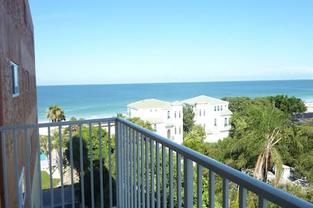 Beach getaway with Gulf and Intracoastal views - Redington Shores