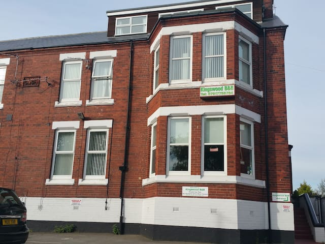 KINGSWOOD GUEST HOUSE - Stockton-on-Tees