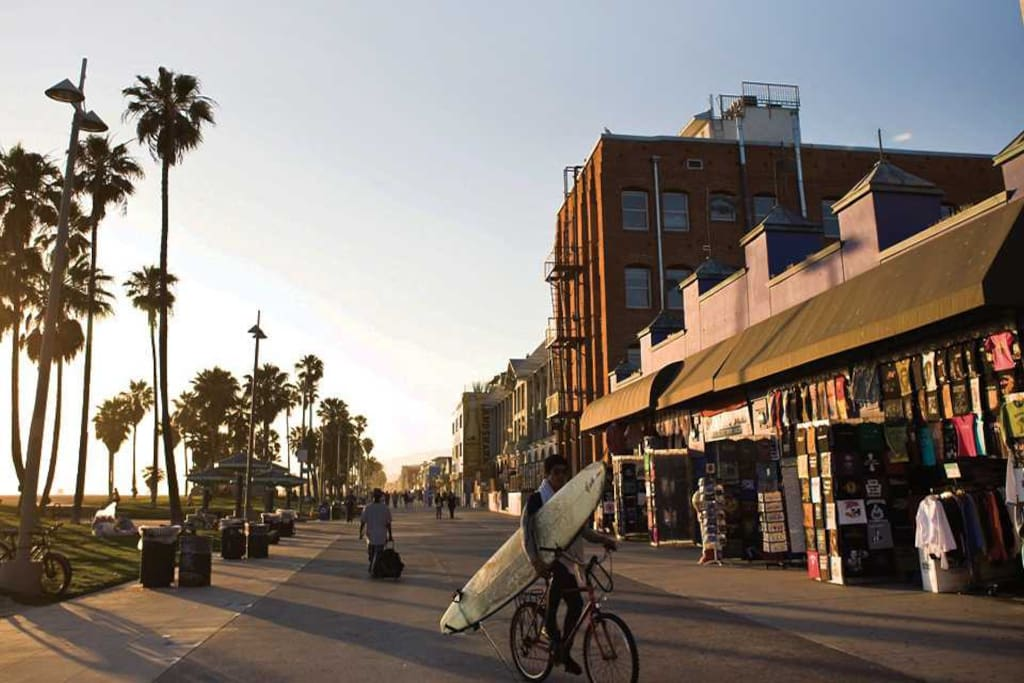 Venice Beach and the MUSCLE BEACH are world famous. And the nicest pristine sandy stretch of the beach is just one block walking from you.