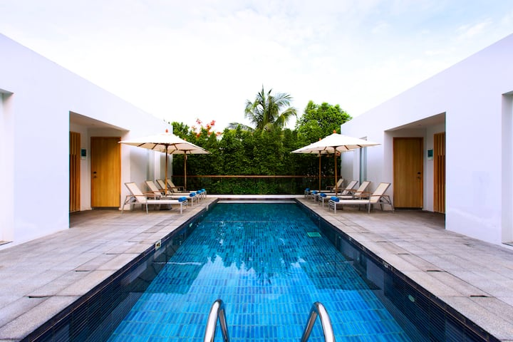 6 bedroom villa combination 2 private pools!