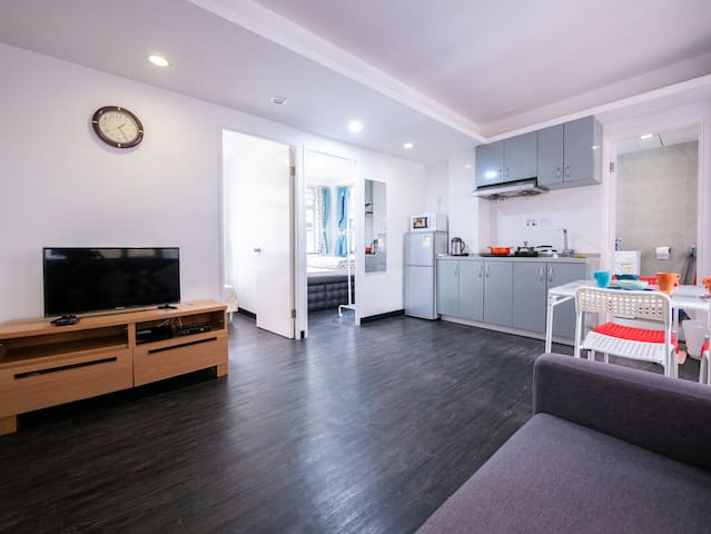 (Discount ! )Modern 2BR Best Around SoHo Central