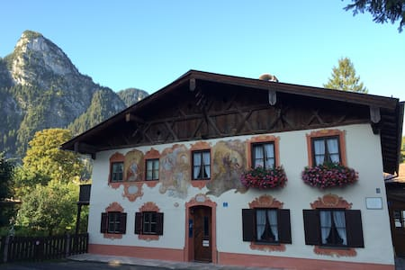 "romantic holiday flat ""Himmelblau"" - Oberammergau"
