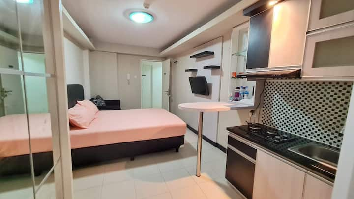 NEW Sakura Studio+ Apt @Kalibata City + Pool &Wifi