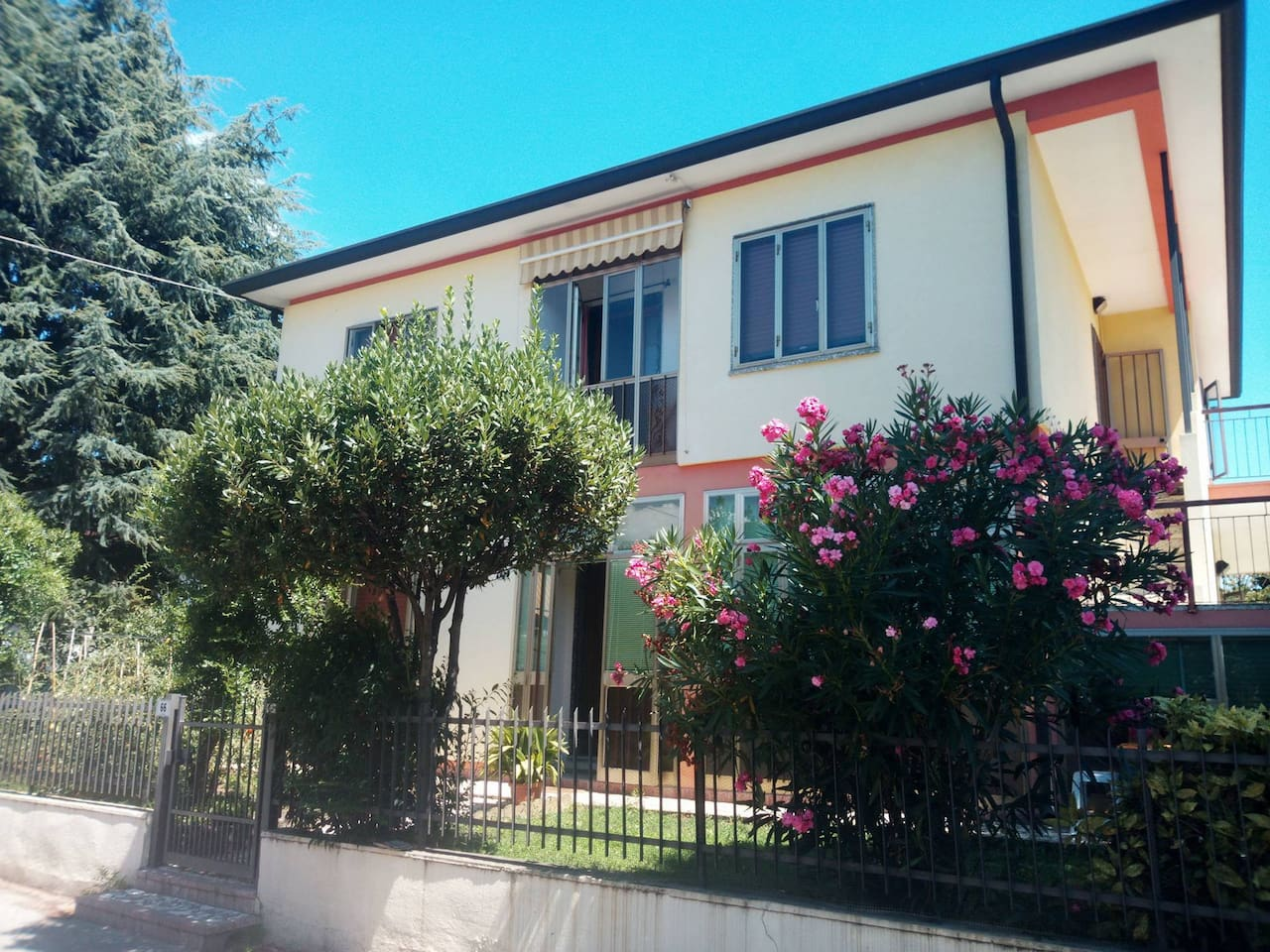 Cozy Casa in the central neighborhood