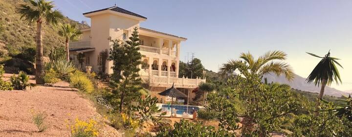 Maurische Villa mit Meerblick! Nähe Benidorm!