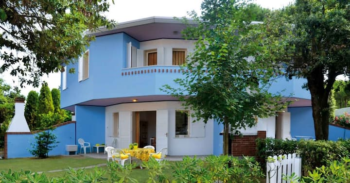 apt for 3+1 persons with pool in Bibione R81880