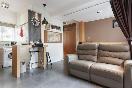 Luxury Designer Studio-5 min MTR & 10 min CBD