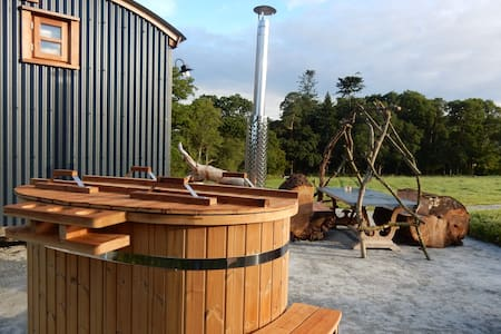 Buttercup's Shepherd Hut~Secluded Luxury~Hot Tub