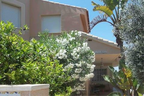 Independant Guest Suite, Solarium, private pool