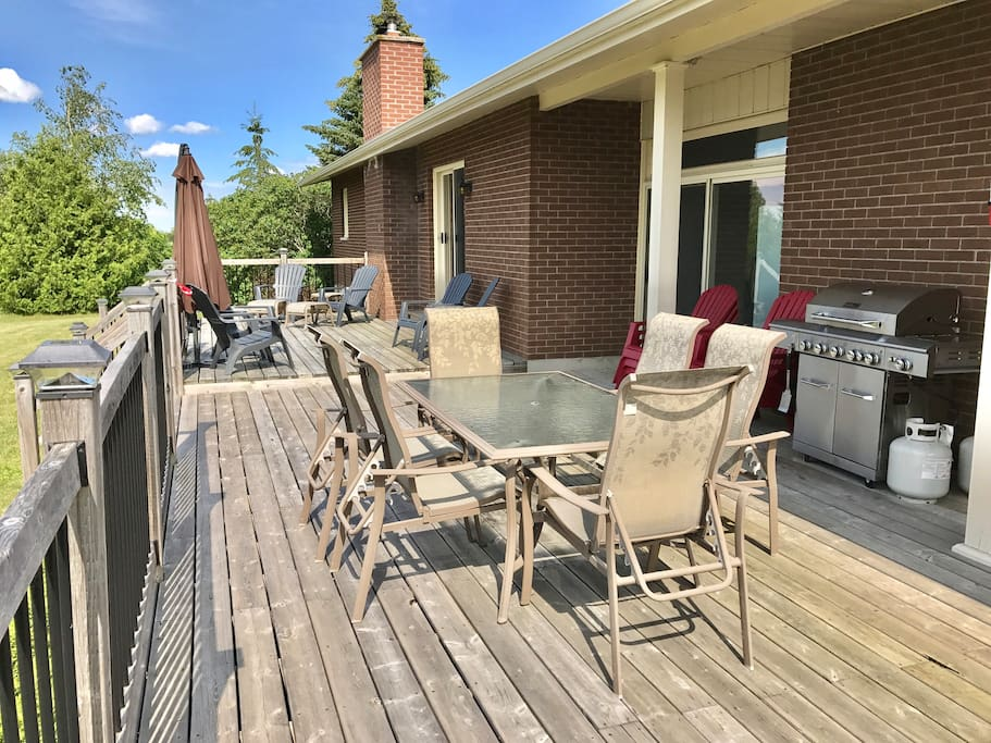 Large two level deck with plenty of seating and large BBQ.