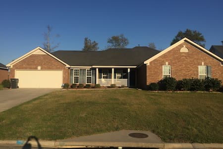Nice home in quiet neighborhood - Augusta