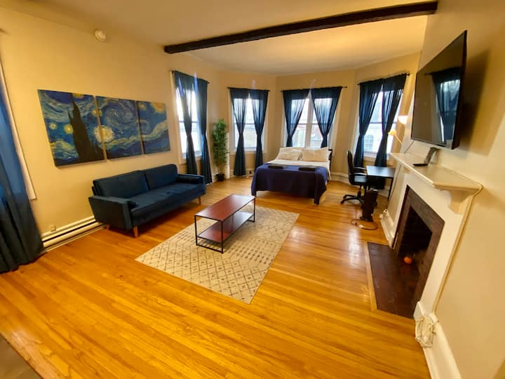 ✪ Urban Retreat ✪Bright Studio✪ Rittenhouse Square