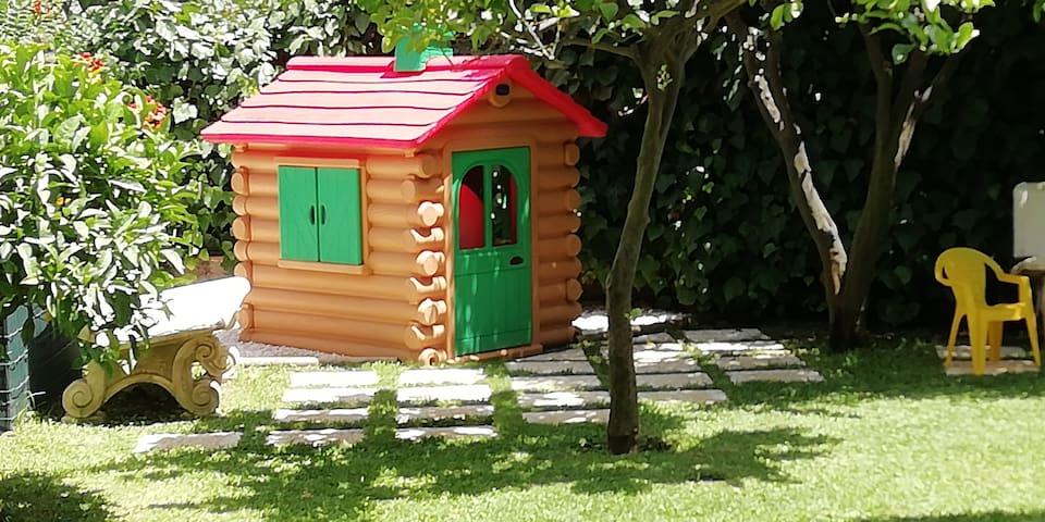 Casa Michelangela - The Kid's Garden