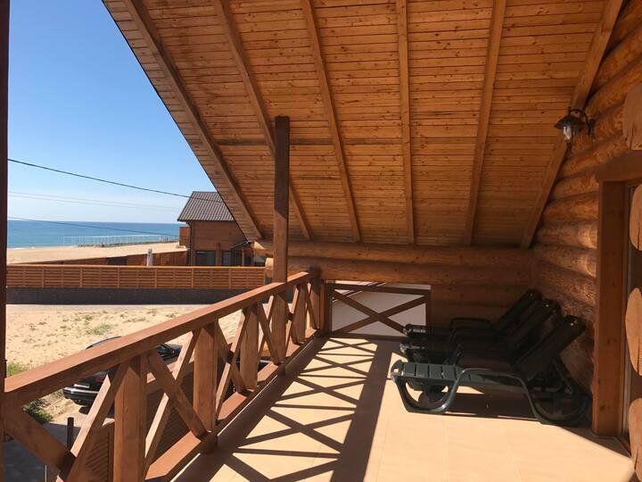 Дом 4 комнаты, у пляжа 1 линия.Грибовка.Бронируем