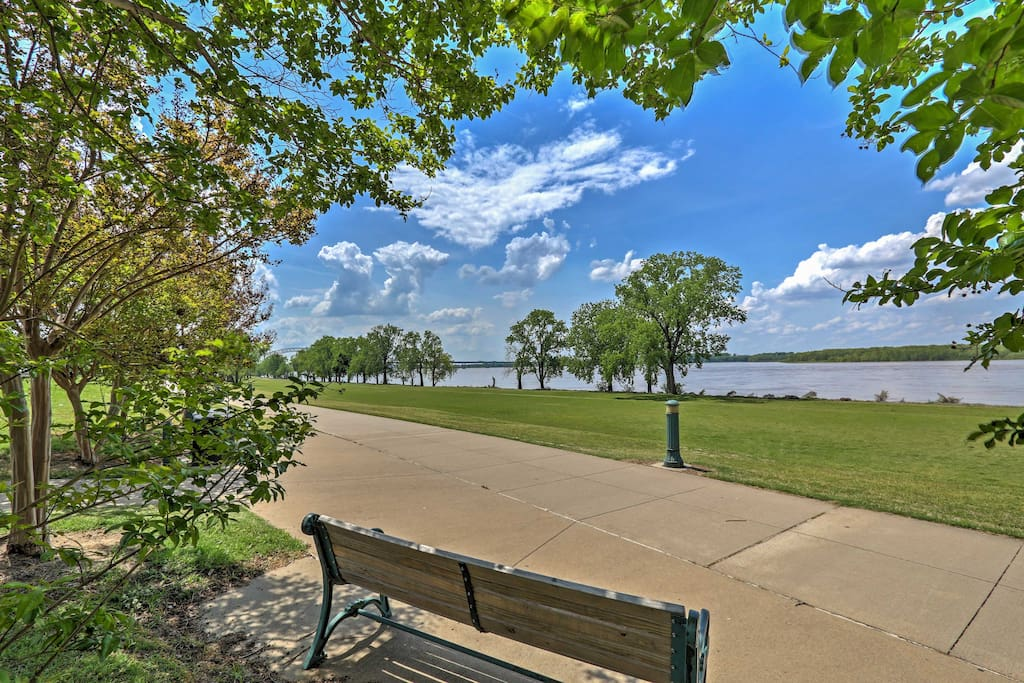 The house is located only steps away from the Mississippi River.