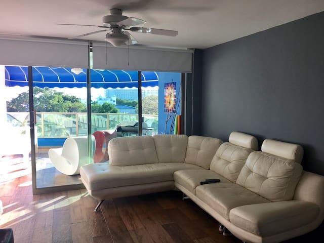 Sala con acamados modernos