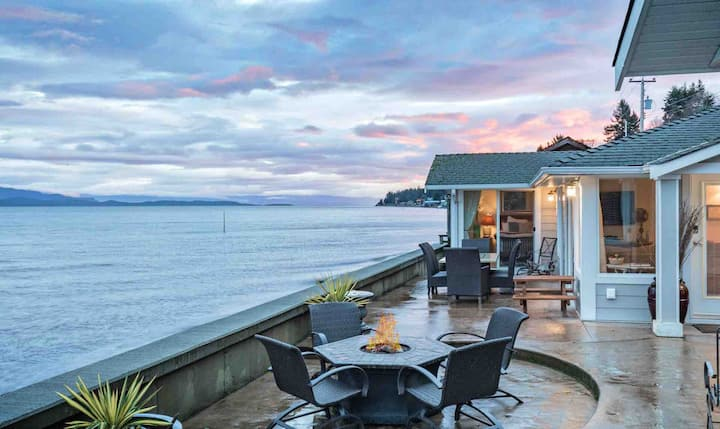 Qualicum Beach House - Your Private Destination!