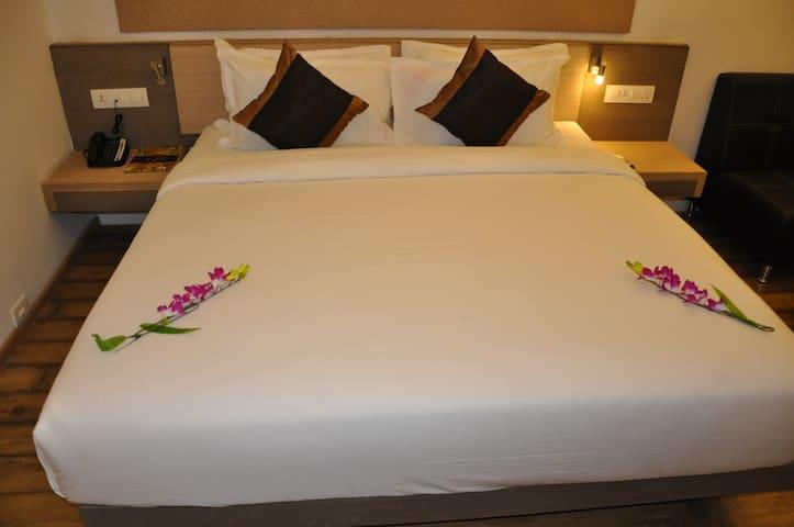 Mango Cozy Hotel Room-Savli, Vadodara