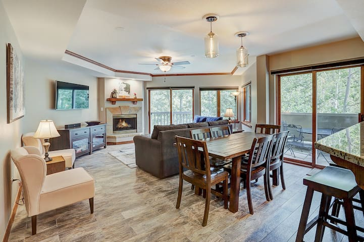 Luxurious 3 Bedroom Walk to Slopes & Beaver Creek Village