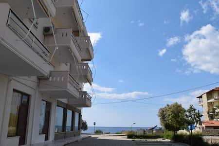 Sea Apartament Potam - Himarë - Lakás