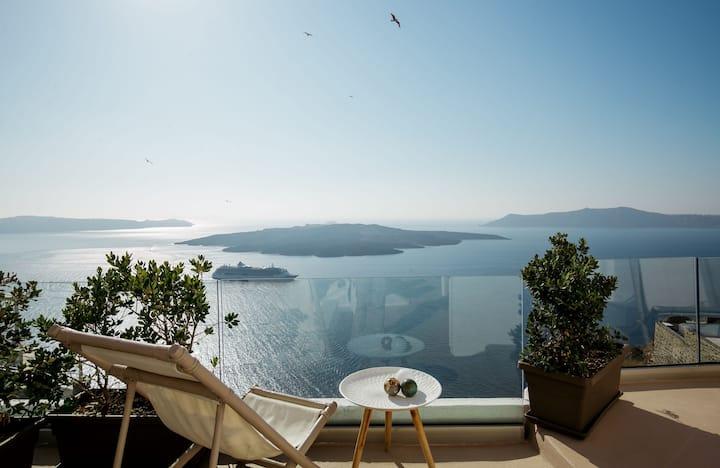 The Globe Villa at Caldera view & private pool