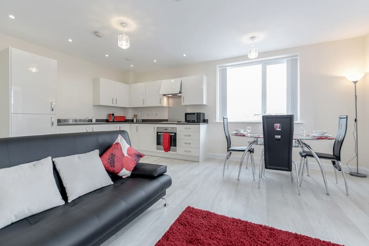 ☆Harrow☆Close to everything ☆2BED2BATH☆Parking☆