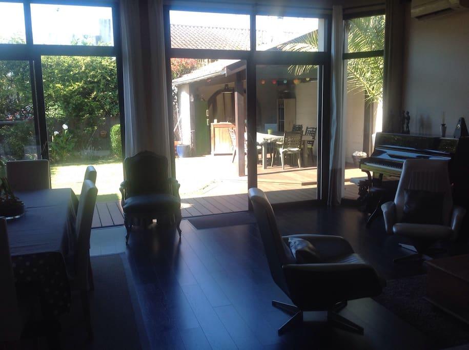 Spacieuse maison d 39 architecte houses for rent in talence aquitaine france - Maison architecte mark dziewulski ...