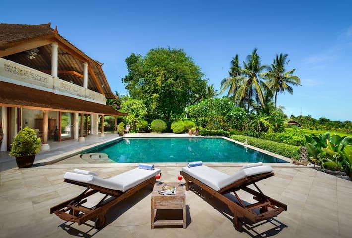 Villa Balian Beach