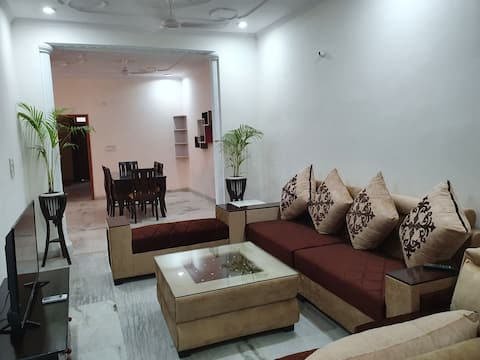 Luxury 3BHK, NH 8, Manesar, IMT, Hottub
