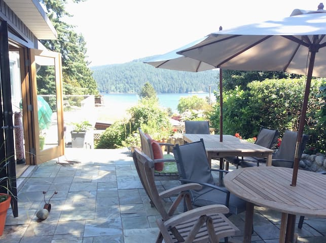 4 BR Deep Cove Water View Home