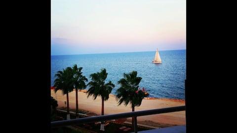 Denize Sifir 2+1, Havuzlu ve cift balkonlu yazlik