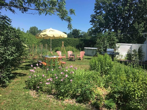 Friendly land-based in Eastern Townships