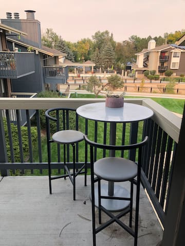Comfortable 2 Bedroom Condo in Boulder