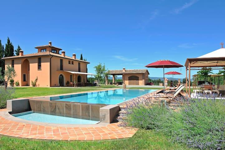 Beautiful villa,Volterra area,San Gimignano,Pisa - Peccioli - Villa
