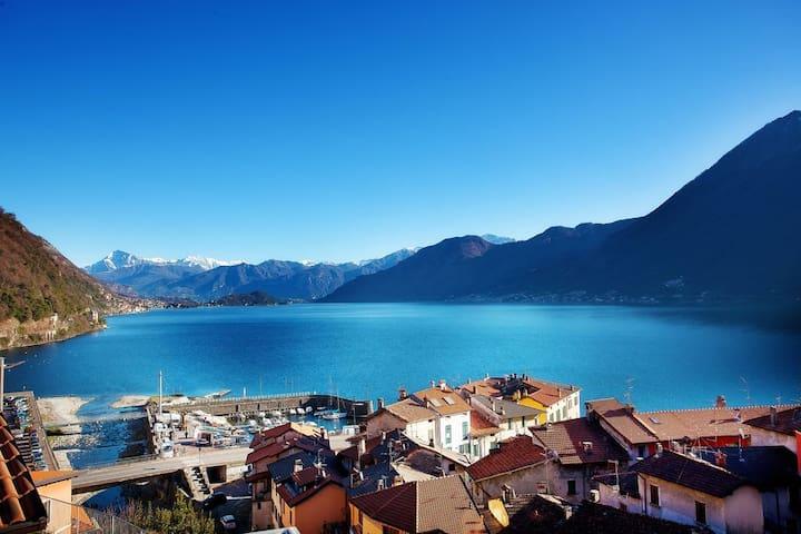Argegno lake view apartment