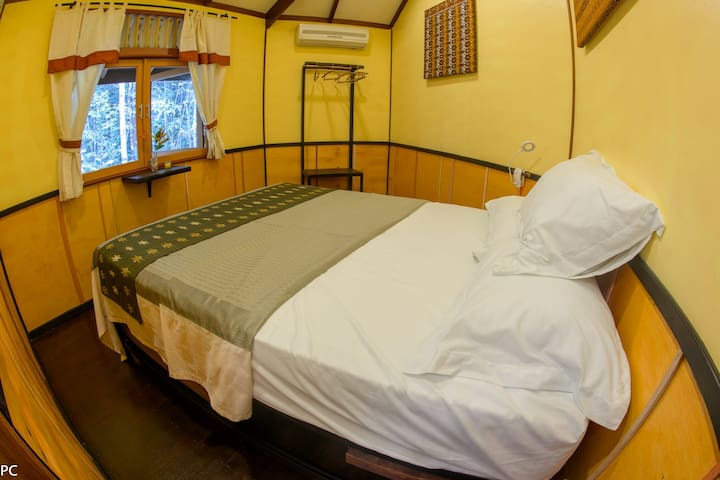 Borneo Escape - Eco Village Queen Room