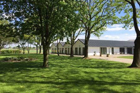 # Vakantiehuis in gerenoveerde boerderij (7)