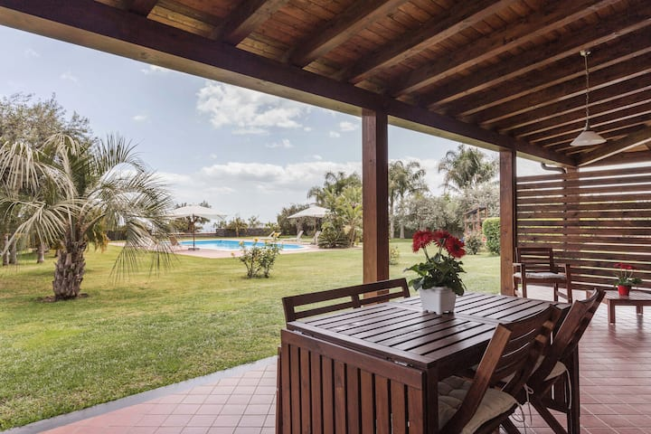 Villa Ginevra (second unit) free wifi free parking