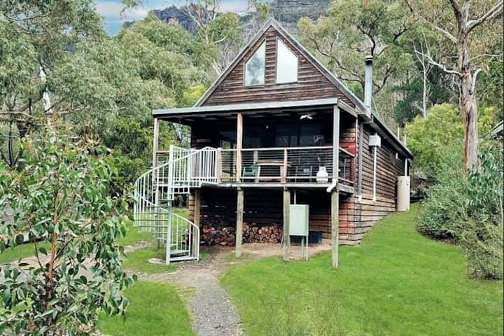 Halls Gap 'Bush Lodge' Retreat