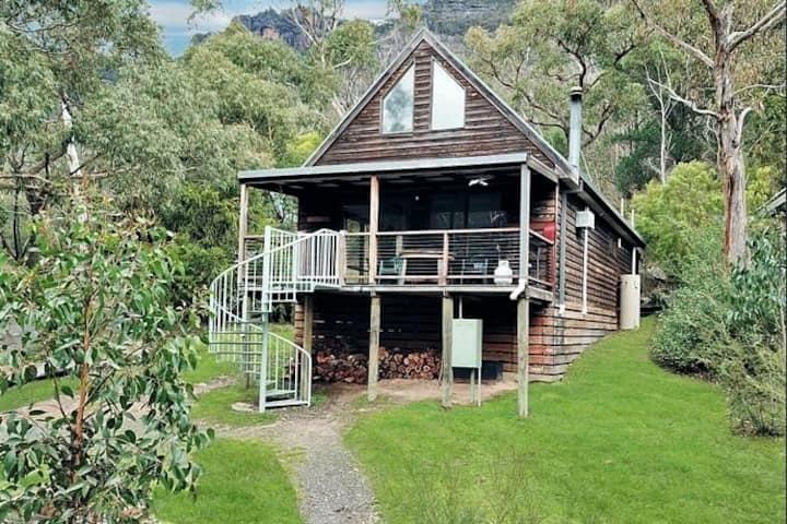 Halls Gap 'Bush Lodge' Retreat