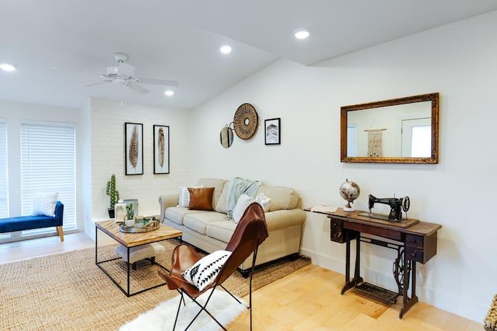 *New Listing* Cozy Condominium