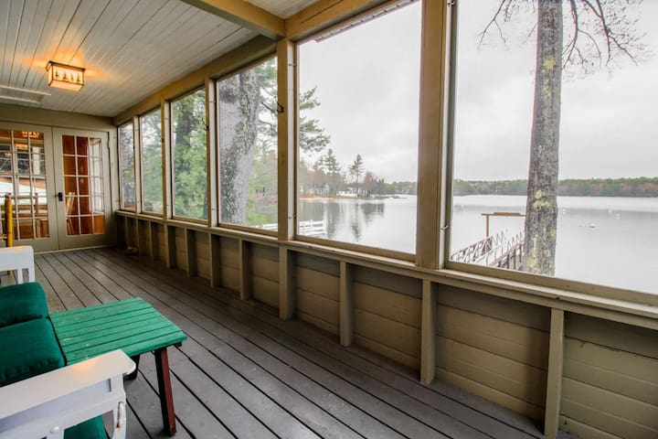 Lakefront home w/ screened porch & dock on Sebago Lake Basin - close to Portland