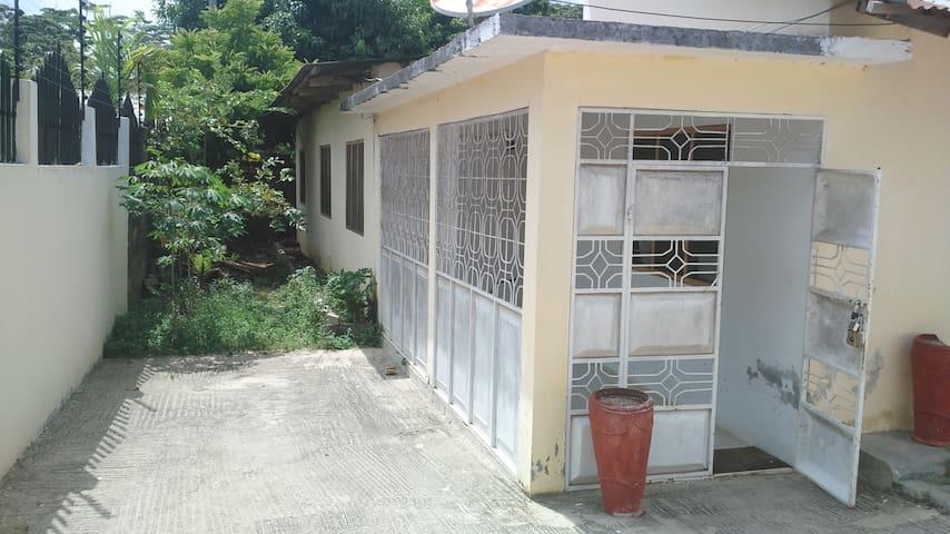 BEST PRIVATE ROOM IN TOWN - Sansibar - Haus