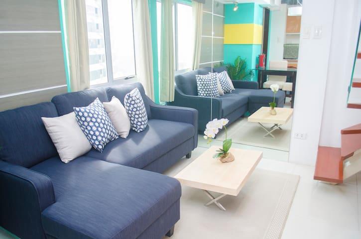 Indigo BGC Exclusive 2BR Duplex @ Fort Victoria