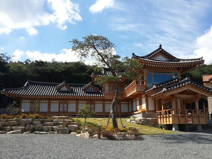 불국사 인근 천년한옥펜션 연꽃방+누마루